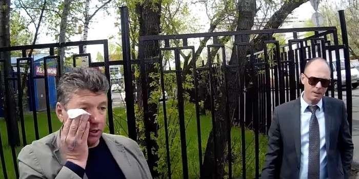 Московский депутат напал на активистов СтопХама, заснявших его езду по тротуару