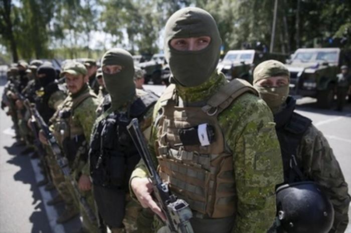 Дмитрий Ярош: расстреливать украинцев на месте – долг каждого карателя АТО