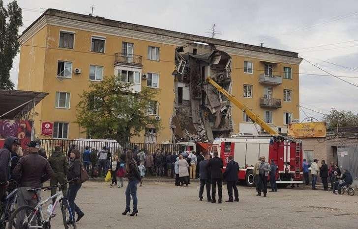 Взрыв в Волгограде: подъезд обрушился из-за самовольного подключения к водопроводу