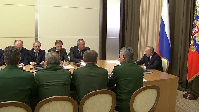Владимир Путин провёл совещание повопросам госпрограммы вооружения на2018–2025годы