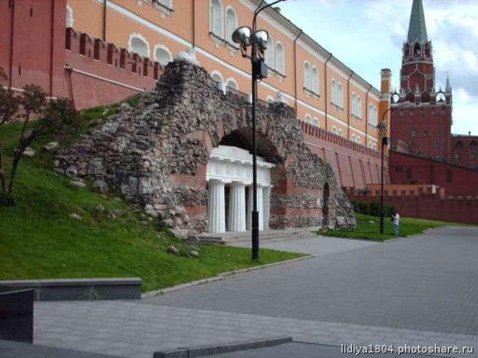 Древние артефакты Москвы под открытым небом