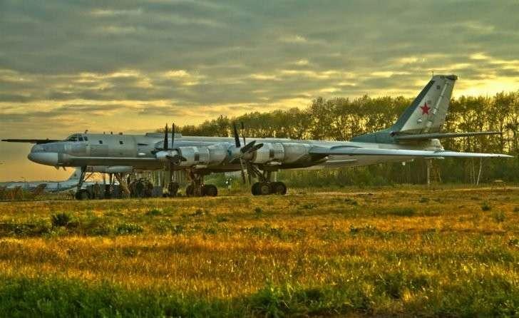 Как советский Ту-95 пиндосов на авианосце распугал