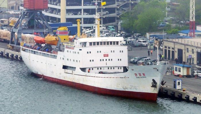 Владивосток: из Северной Кореи прибыл первый «контрабандный» теплоход