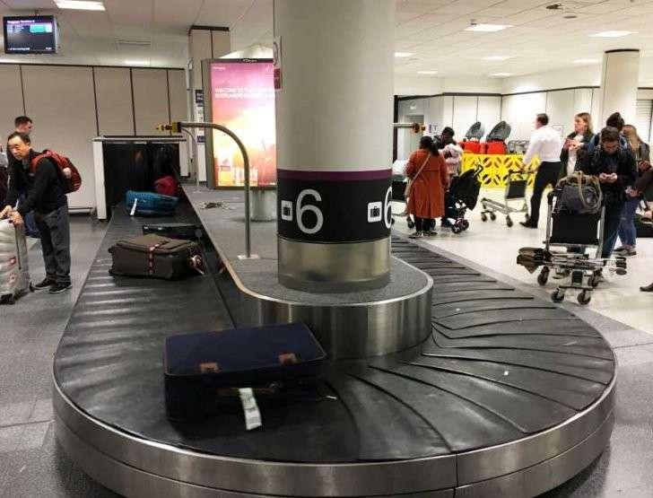 Багажная лента в аэропорту прилета