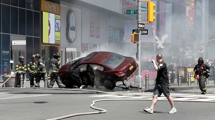 Наезд в Нью-Йорке: «Люди лежали на тротуаре, остальные разбегались»