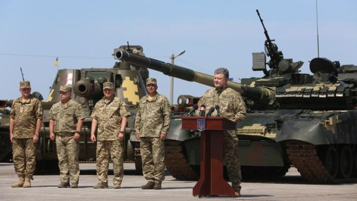Киевская хунта бросает на ополченцев Донбасса новые танки Т-80