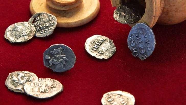 Москва: в Яузе счастливчик нашёл монету стоимостью более миллиона рублей