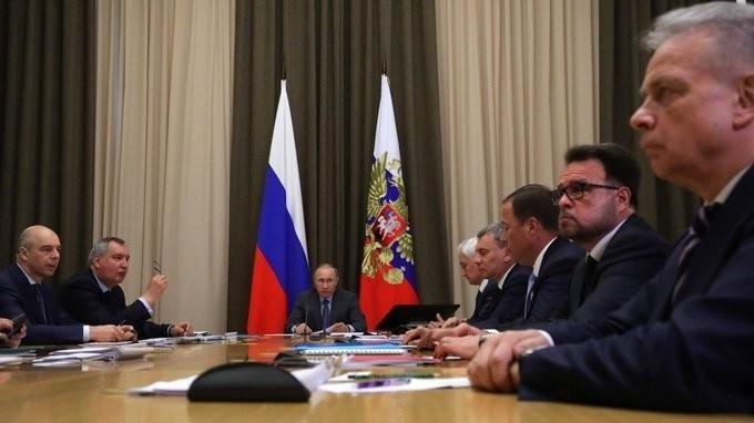 Владимир Путин провёл совещание поразвитию космической отрасли