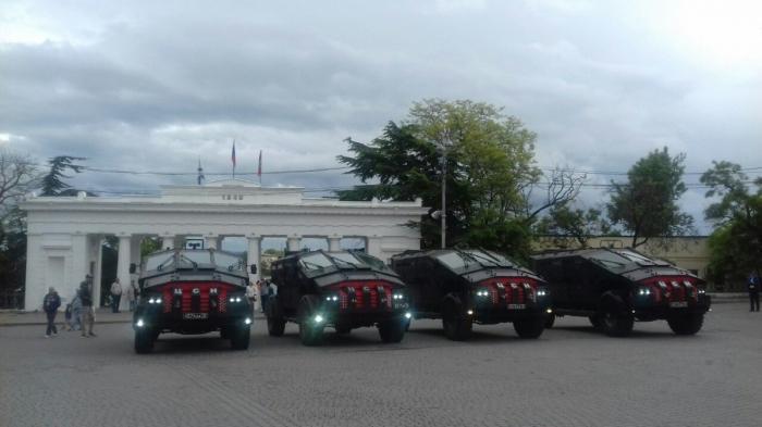 Бэтмомобиль в России: «Фалькатусы» вКрыму