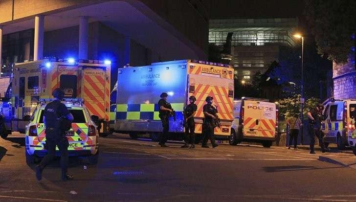 Взрыв на стадионе в Манчестере: в теракте погибло 19 человек. Нация в шоке