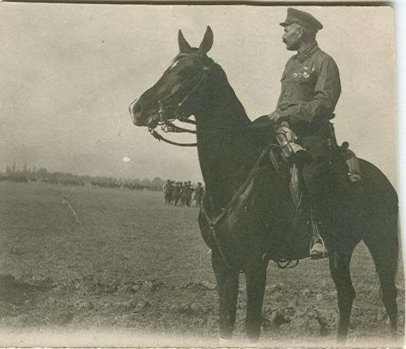Как русские кавалеристы порубили в капусту три румынских полка