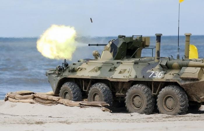 На Северном Балтийском и Черноморском флотах созданы три армейских корпуса береговых войск