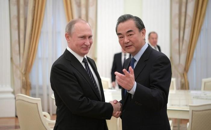 Владимир Путин встретился с Министром иностранных дел Китайской Народной Республики Ван И