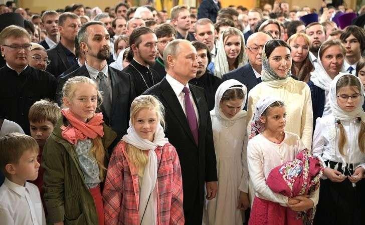 Нацеремонии освящения храма Воскресения Христова иНовомучеников иИсповедников Церкви Русской вмосковском Сретенском монастыре.