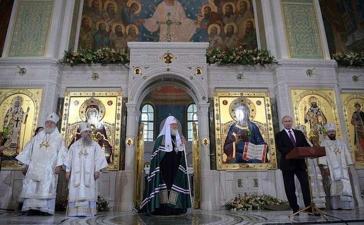Выступление нацеремонии освящения храма Воскресения Христова иНовомучеников иИсповедников Церкви Русской вмосковском Сретенском монастыре.