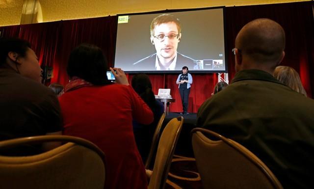 Сноуден намеренно «наследил» в секретных базах США