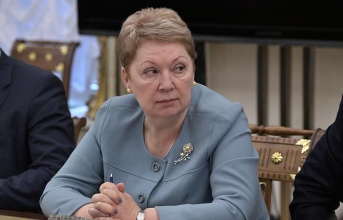Васильева призвала не втягивать детей в политику пока они не повзрослеют
