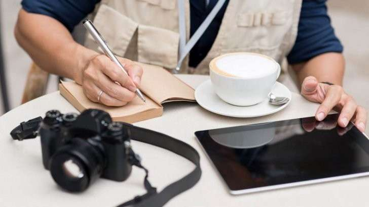 636132155493084467308608467_iStock_67275491_XXXLARGE-reporter-notebook-camera-tablet-Medium