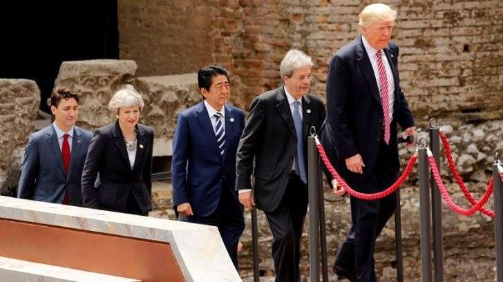 Саммит G7: язык жестов «Кто кого перемашет»