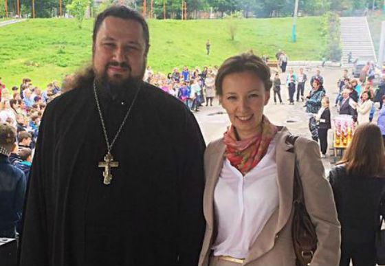 Родители выступили против ювенальной попадьи Анны Кузнецовой