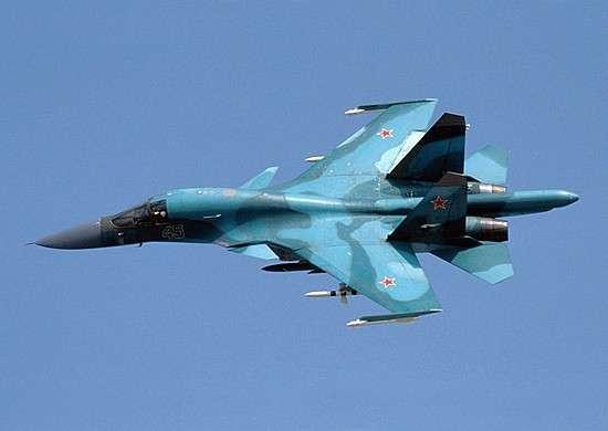 Экипажи Су-34 долетели до Северного полюса