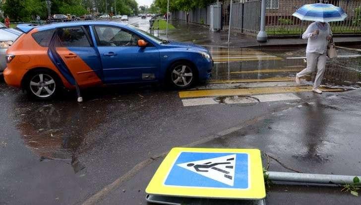 Москва: число жертв урагана возросло до 16 человек. Ликвидация последствий