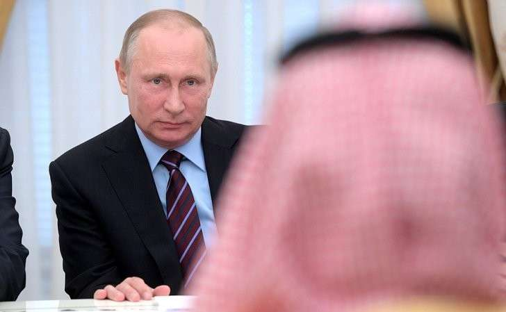 Вовремя встречи спреемником наследного принца, министром обороны Саудовской Аравии Мухаммедом бен Сальманом Аль Саудом.
