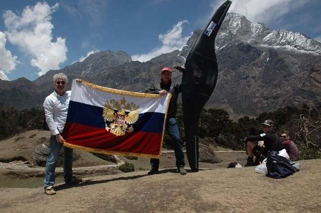 Русский беспилотник покорил вершину мира – гору Эверест