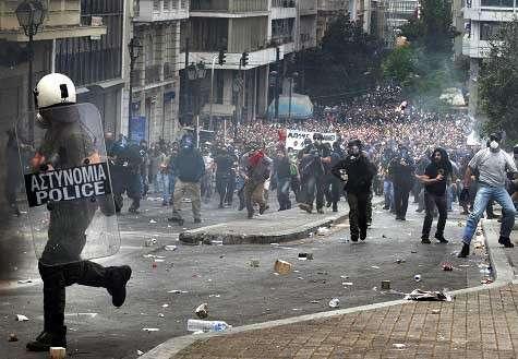 Греческая Сага: Контрабандисты захватили рынок топлива; две трети рабочих мест уничтожено в строительстве