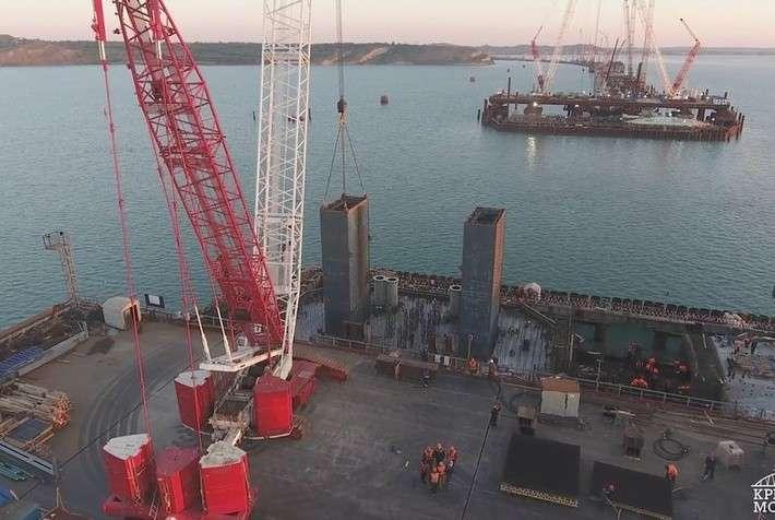 Строители приступили ксооружению тел фарватерных опор Крымского моста