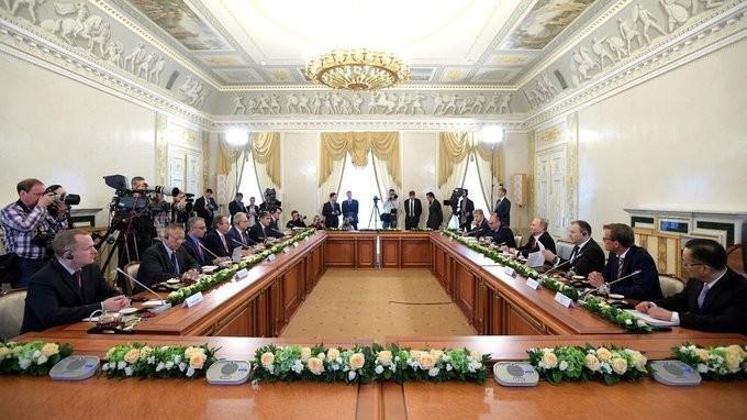 Владимир Путин провёл встречу сруководителями международных информационных агентств