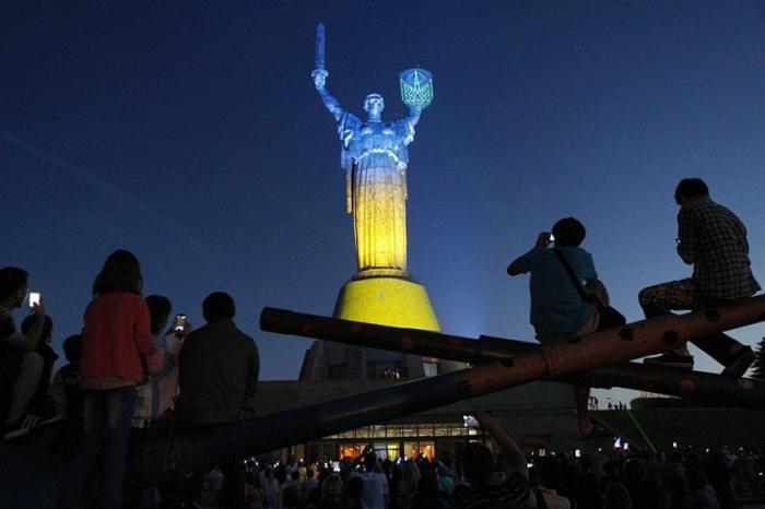 Хунта собирается веерно отключать в Киеве свет