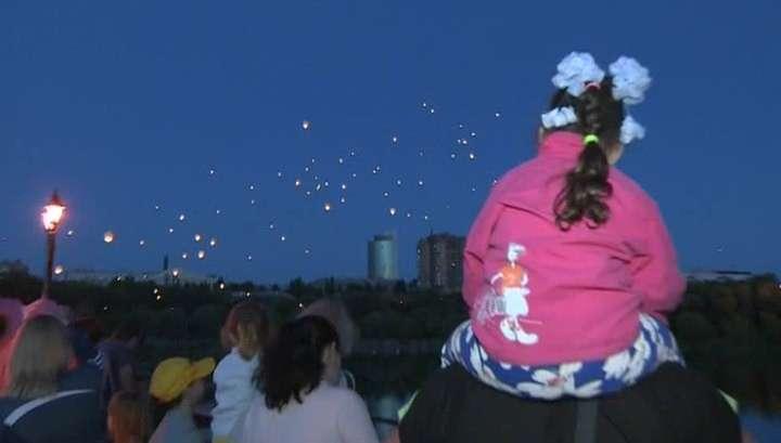 «Ангелы» Донбасса: в Донецке и в других городах ДНР прошла акция в память о погибших на войне детях