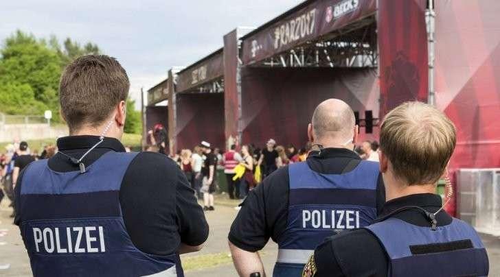 Германия, угроза теракта: более 80 тысяч человек эвакуированы с фестиваля
