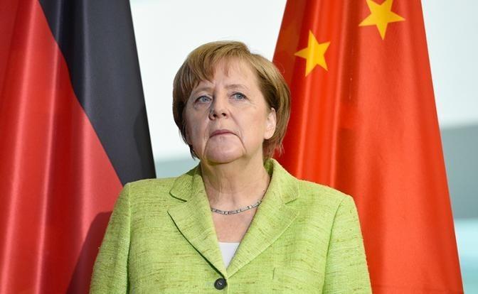 Ангела Меркель протягивает «руку дружбы» китайцам и индийцам, а те за пазухой держат фигу