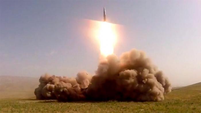 Комплекс «Искандер» впервые произвёл пуск ракет за пределами России