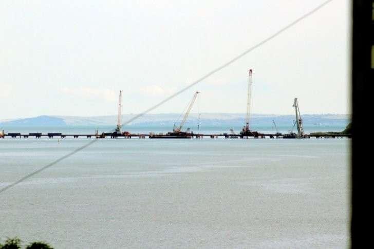 Керченский мост: в сети опубликованы свежие кадры строительства
