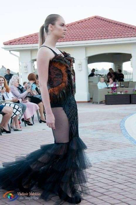 В отеле Бердянска Запорожской области прошел показ мод. Деградация Украины идет полным ходом