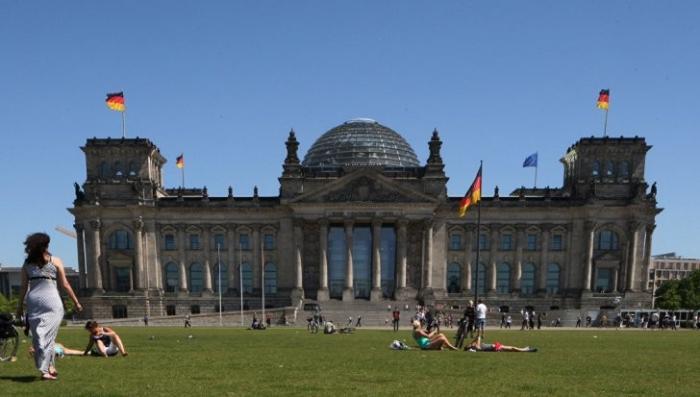 Германия находится под внешним управлением США, начинает признаваться евродепутат