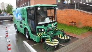 Екатеринбургский завод представил отечественную уборочную машину