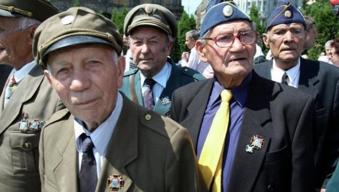 Революция леммингов доскакала до обрыва. Ростислав Ищенко
