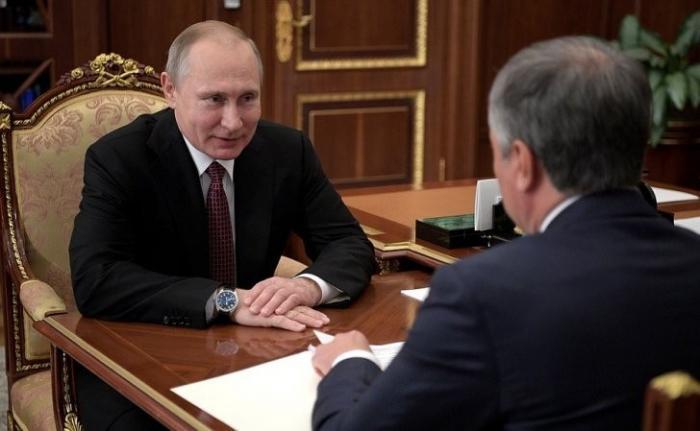 Владимир Путин предложил ввести присягу при получении российского гражданства