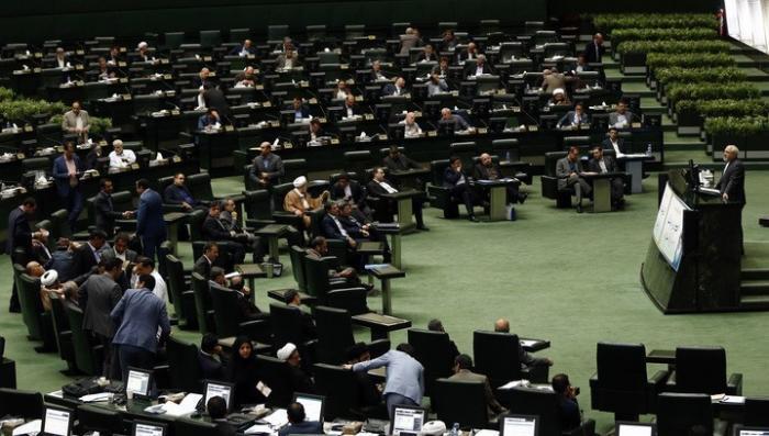 Нападение на Иран. Парламент страны под ударом террористов! У мавзолея Хомейни взорвался смертник