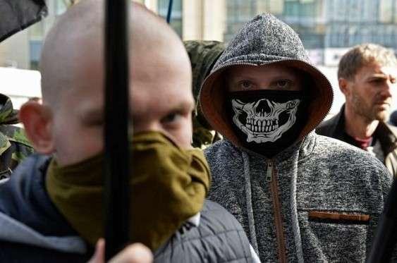 Бандиты «вытираны» АТО в борьбе за денежные знаки