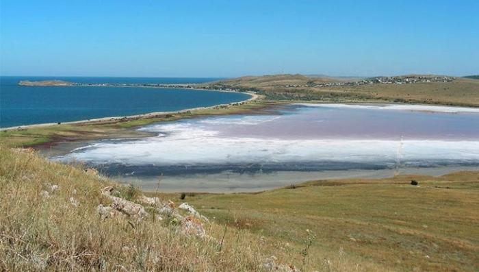 Крым: Чокракское озеро может появиться аналог курортов Мертвого моря