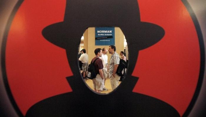Дмитрий Песков заявил, что американские хакеры атакуют сайт президента России