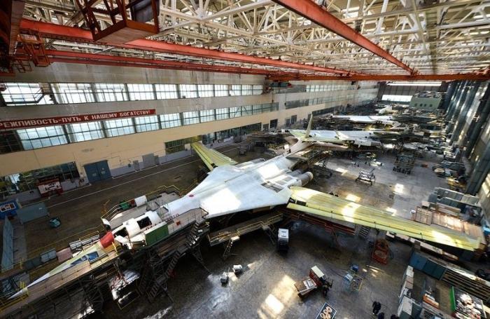 В Казани провели промышленную сварку первого серийного ракетоносца Ту-160М2