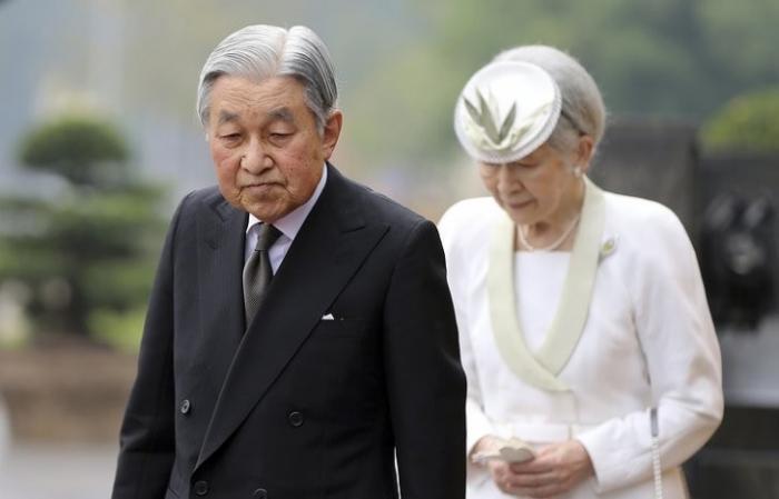 Япония: впервые за 200 лет принят закон, позволяющий отречение Императора