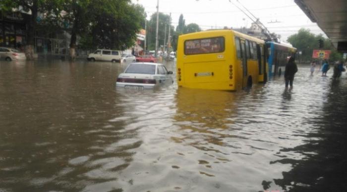 Симферополь затопило из-за сильного ливня