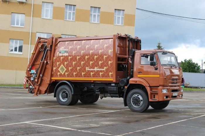Арзамас: создан новый мусоровоз сзадней загрузкой на19 м3